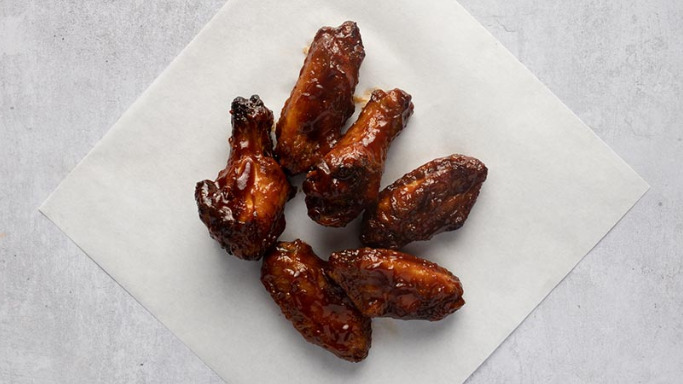 6 Hickory Smoked BBQ Wings - Best Pizza Delivery in Leamouth E14